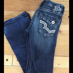 """Big Star Low Rise Jeans EUC, Big Star Sweet Ultra Low Rise jeans with some crinkling noted at bottoms (see pics). Made from 72% cotton, 26% polyester, 2% spandex. They have a good amount of stretch. Inseam 29.5"""", front rise 6.5"""" Big Star Jeans"""