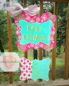 I'm loving all these pretty spring colors! Do you have certain colors or a theme you'd like incorporated into your door hanger? We can accommodate you! This colorful medium is $35 and can be fully customized! Check out our pricing guide for more sizes or prices! Order HERE, our FB page (www.facebook.com/LinTinAndWood), or if you're in Yazoo City, stop by Bow Ties & Tutus Children's Boutique Toy Store and place an order! @bowtiestutus #GirlBabyDoorHanger #BrightColorsDoorHanger #SpringDoorHang... Hospital Door Hangers, Baby Door Hangers, Wall Hanger, Baby Chart, Yazoo, Children's Boutique, Toy Store, Spring Colors, Bow Ties