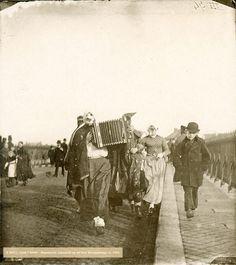 Carnaval 1900 St Servaasbrug