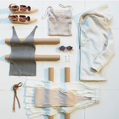 Rolls through✔️ ➖➖➖➖➖➖➖➖➖➖➖➖➖➖ 📷 @hm #summerfun #flatlay_sweden #flatlaysweden #flatlay #östersund #åre #outfit #grid #womenstyle #womenswear #womensfashion #fashionblogger #fashionista #fashion #mode #modeblogger #blogg #blogger #style #styleblogger #shades #tanktop #shoes #skor #linne #accessories #smycken #casabolgheri #flatlay #flatlayapp #flatlays