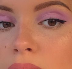 How can you learn tricks if you're just starting to make up? Clean and moisturize your skin Use … Makeup Fx, Cute Makeup, Pretty Makeup, Makeup Goals, Skin Makeup, Makeup Tips, Beauty Makeup, Makeup Geek, Makeup Eyeshadow