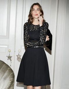 We think elegant lace and comfortable Ponte make this the perfect LBD. This timeless dress features flattering centre seams and a full skirt for extra style points. It's sophisticated enough for the office and eye-catching enough for any fancy parties.