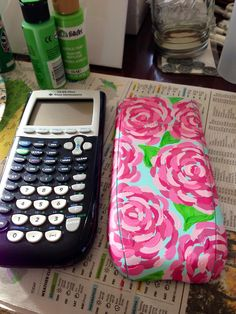 Lilly Pulitzer Inspired (FIRST IMPRESSION) Hand Painted Customized Calculator Case (Artwork Only)- omg, a lilly lover accountants dream Cute Crafts, Crafts To Do, Arts And Crafts, Diy Crafts, Diy Projects To Try, Craft Projects, Craft Ideas, Dyi, Do It Yourself Inspiration