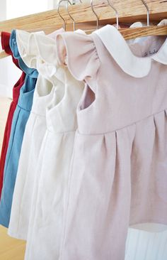 This is an absolutely adorable dress for baby girls and toddler. Peter pan collar is made of cotton in pure white and dress is made of very soft and high quality linen fabric in off white (cream). It is a great outfit to celebrate 1st birthday , rustic wedding or garden wedding, and also even for family photos, baby photoshoot, or just casually look stylish when heading out :) [ details ] - Made from Japanese cotton blended linen - No itchy seams! - Top part is fully double layered - 2…