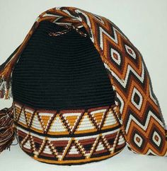 Tapestry Bag, Tapestry Crochet, Crochet Handbags, Crochet Purses, Hello Kitty Crochet, African Wear, Purses And Bags, Knit Crochet, Crochet Patterns