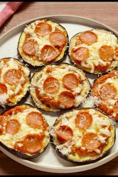 Eggplant dishes, eggplant pizzas, eggplant pizza recipes, ways to cook Eggplant Pizza Recipes, Eggplant Pizzas, Eggplant Dishes, Diet Recipes, Vegetarian Recipes, Cooking Recipes, Healthy Recipes, Best Low Carb Recipes, Pizza Bites
