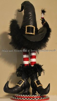 """2012 NEW VERSION """"Wicked Witch Hat n' Boots Stand w/Broom/Crows"""" Halloween Decoration-Centerpiece-Petals and Plumes/Etsy"""