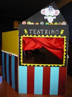 Caja reciclada : Teatrino (teatro infantil) Recycled cardboard box : Puppet theatre.  By me