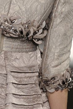 Elie Saab Spring 2009 Couture Fashion Show Couture Fashion, Runway Fashion, Fashion Show, High Fashion, Couture Details, Fashion Details, Fashion Design, Elie Saab Spring, Ellie Saab