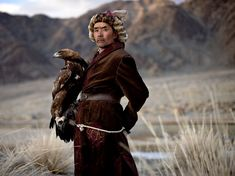 Picture of a Kazakh eagle hunter in Mongolia