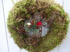 Moss Wreath, Acorn Wreath, Grapevine Wreath, Christmas Gifts, Christmas Decorations, Holiday Decor, Holiday Wreaths, Green Wreath, My Etsy Shop