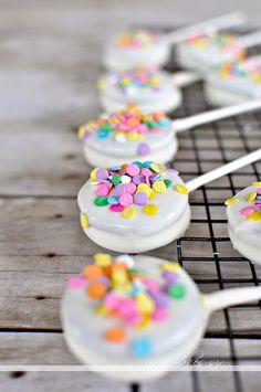 Oreo pops - The easiest dessert to make!