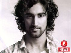 Kunal Kapoor turns to Shakespeare again after 'Veeram'. He will next be seen playing a drama teacher, teaching Shakespeare, in his next, titled 'The Noblemen'. Bollywood Actors, Bollywood News, India Actor, Kunal Kapoor, Indian Male Model, Mans World, Tom Cruise, Attractive Men, Boyfriend Material