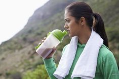 If you eat sufficient protein throughout the day, you may not need to consume a post-workout shake to benefit from a short muscle growth and recovery process. Post Workout Protein Shakes, Post Workout Shake, Losing Weight Tips, Weight Gain, Weight Loss Tips, Sports Nutrition, Nutrition Tips, Nutrition Activities, Blush