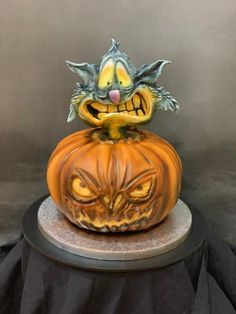 Halloween Pumpkin and Cat - cake by Sue Deeble Halloween Cakes, Halloween Pumpkins, Halloween Ideas, Unique Cakes, Creative Cakes, Gorgeous Cakes, Amazing Cakes, Snake Cakes, Fondant Cake Designs