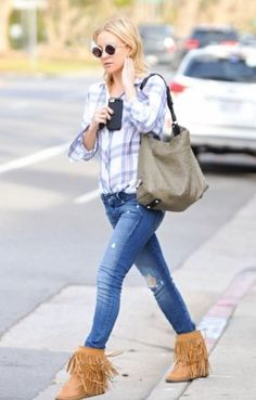 4bb36be0a Kate Hudson wearing Koolaburra Savannity II Boots