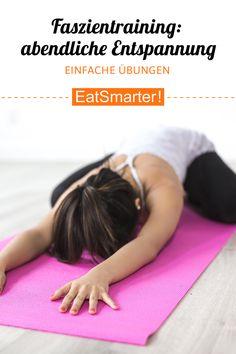 Dieses Fazientraining hilft im Kontext Rückenverspannung! - 1000 x 1500 Faszientraining: abendliche Meditation. Dies sind die besten Übungen am Abend Fitness Humor, Yoga Fitness, Physical Fitness, Fitness Goals, Health Fitness, Fitness Exercises, Training Exercises, Muscle Fitness, Fitness Quotes