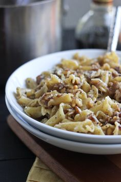 A super simple 20-minute weeknight pasta recipe with a flavorful balsamic sauce, toasted garlic and pine nuts and Parmesan cheese.