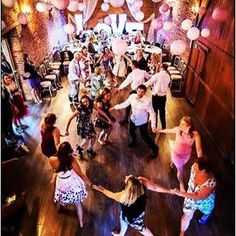 Friends family dancing drinking and love all what weddings are about. #all_shots #bride #bridetobe #brideinspiration #eventstyling #follow #follow4follow #followforfollow #gettingmarried #weddinglanterns #iger #insta #instapic #instawed #instalike #instad
