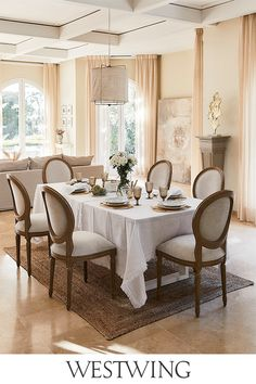 Das neue Country-Living So gemütlich, so chic & sooo easy nachzustylen Dining Chairs, Dining Room, Dining Table, Country Living, Interior Inspiration, Camden, Table Settings, New Homes, Kitchen
