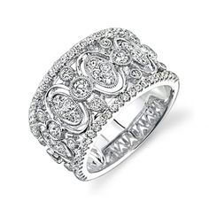 Gorgeous ring! Maybe for our 5 or 10 year anniversary :) to wear on my right hand