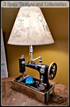 Artwork deco stitching machine was a lamp with USB charger outlet. Sewing Machine Tables, Sewing Machine Projects, Treadle Sewing Machines, Antique Sewing Machines, Sewing Table, Refurbished Furniture, Repurposed Furniture, Furniture Makeover, Furniture Ideas