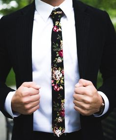 Could this be a new trend for men for wedding ties.....Black Floral Skinny Tie 2 floral tie flower tie