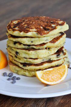 Diese Pancakes sind lecker orangig und super saftig, dank Ricotta im Teig. #Pancakes #Pfannkuchen #Frühstück