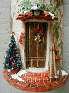 Risultati immagini per tejas navideñas Christmas Clay, Christmas Lanterns, Miniature Christmas, Rustic Christmas, Christmas Crafts, Christmas Decorations, Xmas, Clay Houses, Ceramic Houses