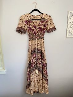 size xsfits like a small because it's stretchy in perfect condition Coral Maxi Dresses, Cute Maxi Dress, Strappy Maxi Dress, Tulle Dress, Floral Maxi Dress, Summer Dresses, Yellow Maxi, Beautiful Prom Dresses, Love Clothing