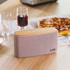 Potente rendimiento - Los dos controladores y los uno radiadores pasivos ofrecen gran calidad de sonido y claridad a cualquier nivel de escucha. Además, disfrutarás de un rendimiento de graves incomparable jam¡§?s visto en un altavoz portátil. Y las mejoras en el procesamiento de la se?al digital te permiten compartir la música con un mayor volumen que el del anterior altavoz Bluetooth. A Tope Todo El Día - La batería del Nature Audio tiene una autonomía de 10 horas. #interiordesign…
