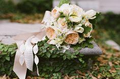 Rosegolden Flowers/Mandy Busby Photo/Ginny Au Styling  juliet rose bouquet