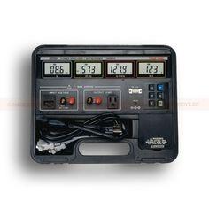 http://termometer.dk/effektanalysator-r12658/power-analysator-53-380803-r12661  Power analysator  Indbygget datalogger lagrer op til 1012 målinger (single entry / kontinuerlig datalogning)  Fire forskellige skærme samtidigt viser watt, power factor eller VA, Spænding eller Hz og ampere  Sand RMS spænding og strøm målinger af sinus, firkant, trekantede og fordrejet bølgeformer med et amplitudeforhold <5  Plug-enhed, der skal testes direkte i Effektanalysatorn  Max, Data Hold...