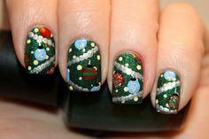 34 Striped Christmas Nail Art Designs