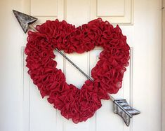 41 last minute diy valentine's day decorations that are super easy & cheap 31 – housedecor Valentine Day Wreaths, Valentines Day Decorations, Valentines Diy, Diy Valentine's Day Decorations, Handmade Signs, Wreath Forms, So Creative, Valentine's Day Diy, How To Make Wreaths