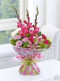Order flowers online from Interflora. All bouquets are expertly crafted by local florists and hand-delivered to the door. Best Flower Delivery, Online Flower Delivery, Flower Delivery Service, Pink Summer, Summer Flowers, Love Flowers, Valentines Flowers, Mothers Day Flowers, Anniversary Flowers