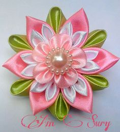 Wonderful Ribbon Embroidery Flowers by Hand Ideas. Enchanting Ribbon Embroidery Flowers by Hand Ideas. Satin Ribbon Flowers, Cloth Flowers, Ribbon Art, Diy Ribbon, Ribbon Crafts, Flower Crafts, Fabric Flowers, Fabric Crafts, Paper Flowers