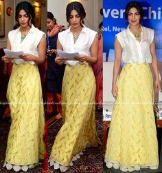Priyanka Chopra In Payal Khandwala And Jade By Monica And Karishma At Unicef Indian Skirt, Dress Indian Style, Indian Outfits, Gharara Designs, Saree Blouse Designs, Indian Gowns, Indian Wear, Payal Khandwala, Indian Designer Suits