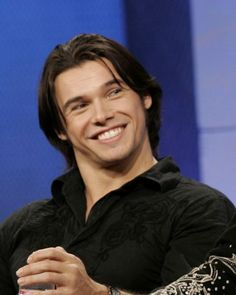 Seriously cute! Paul Telfer. - I agree with the commentary.
