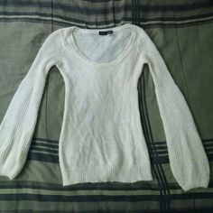 Perfect white sweater! This is a lightweight white sweater in perfect condition from smoke free and pet free home Joyce Leslie Sweaters