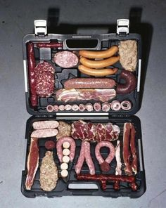 Should be captioned: Wurst Case Scenario Valentines Day Food, Kit Barbecue, Nice To Meat You, Meat Box, Polish Memes, What Makes A Man, Funny Captions, Weird Food, Man Up