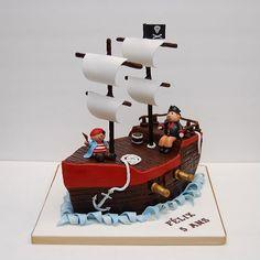 pirate ship/boat cake