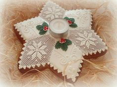 vánoce, strana 3   Perníky All Things Christmas, Christmas Holidays, Xmas, Lace Cookies, Gingerbread Decorations, Biscuit Cookies, Royal Icing, Biscotti, Cookie Decorating