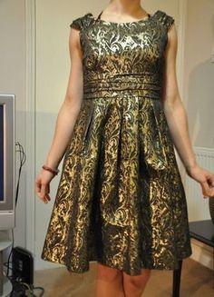 Schönes Gold Brokat Kleid Vintage 50s Burlesque von Zara Größe M 38 40 Top Zustand !