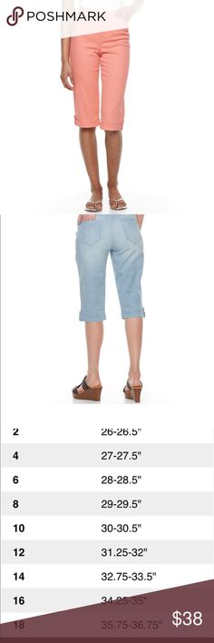 GLORIA VANDERBILT Lillian Skimmer Pants-Petite Featuring cuffed hems with button-tab accents, these women's Gloria Vanderbilt capris give you a laid-back option for everyday wear. Shell White. Belted.   PRODUCT FEATURES •Stretchy cotton blend •5-pocket •Coordinating belt FIT & SIZING •15-in. inseam •Midrise sits above the hip •Straight leg •Zipper fly FABRIC & CARE •Cotton, spandex •Machine wash •Imported Gloria Vanderbilt Pants Capris