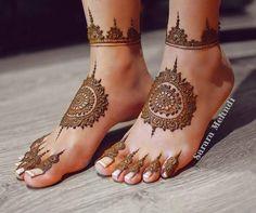 Feet Mehendi design for bride