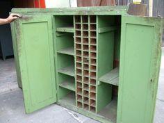Industriedesign Möbel: Grüner Werzeugschrank