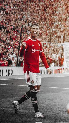 Cr7 Wallpapers, Manchester United Fans, Ronaldo Football, Cristiano Ronaldo 7, Messi, Adidas, Fifa, Goats, Prom