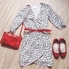 La robe REVECHE Sud express! On aime le motif noir et blanc de la robe.