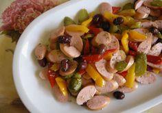 Salade aux saucisses de Francfort WW, recette d'une délicieuse salade à base de saucisse, poivrons, cornichons et olives facile et simple à réaliser pour une entrée.